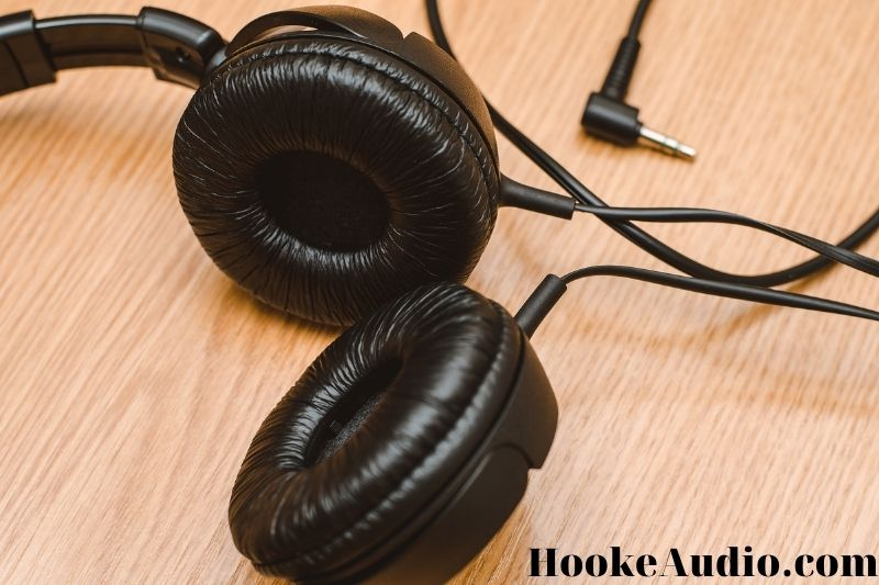 How to make your headphones louder? 10 Tips
