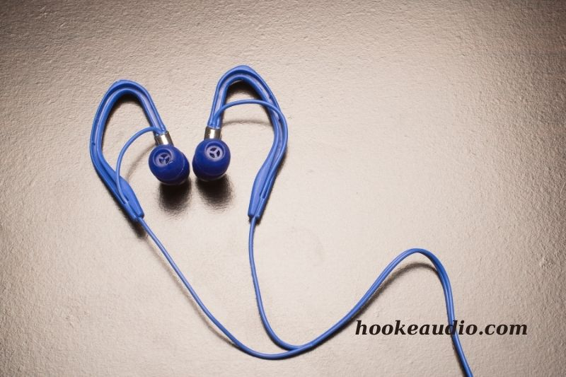 How to wear earbuds with ear hooks