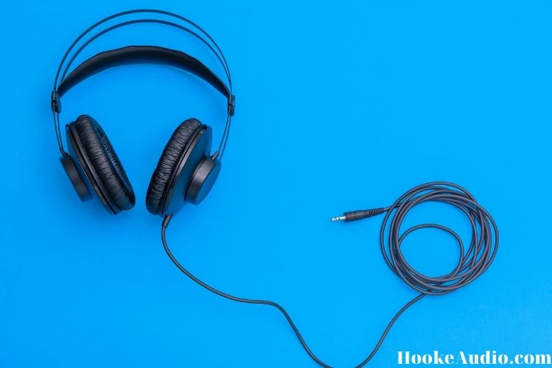Simple Tips to Prevent Earphones From Getting Tangled