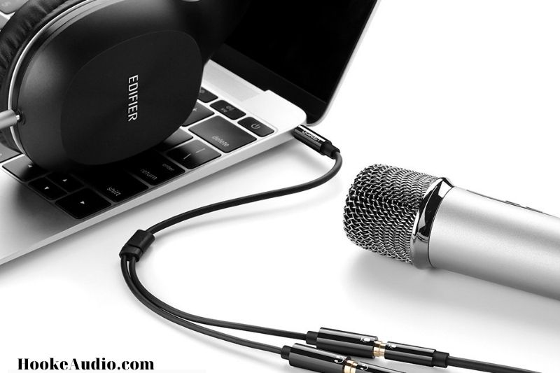 The Benefit of Using a Microphone and the Headphone combo Jack