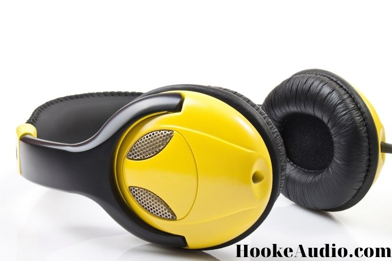 What to Look For When Buying Earbuds- How to Choose the Right Gadget?