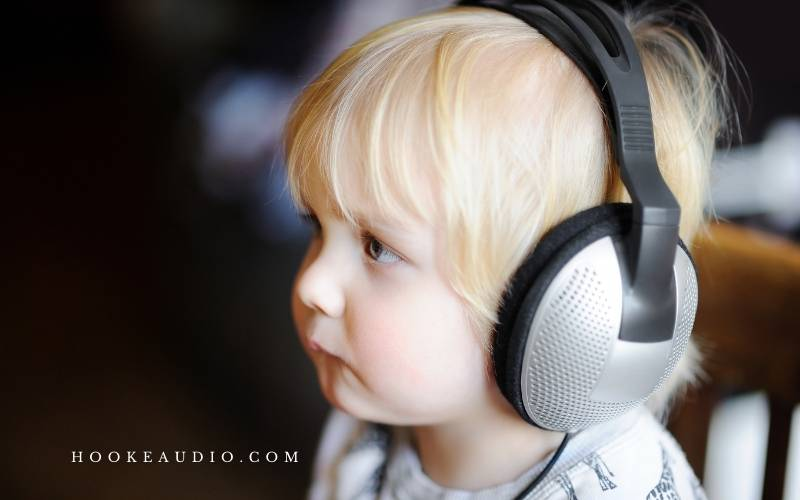 Can three-year-olds use headphones