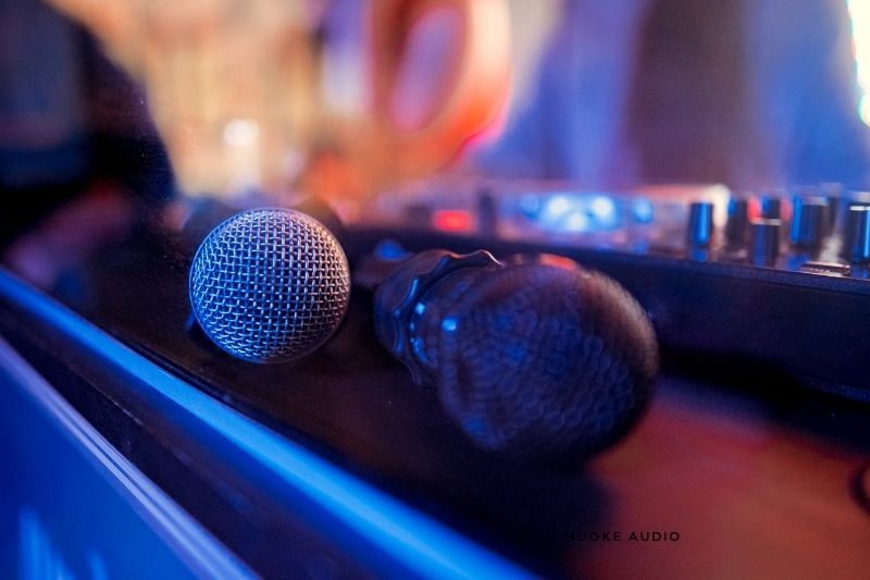 What Systems Support a Karaoke Microphone