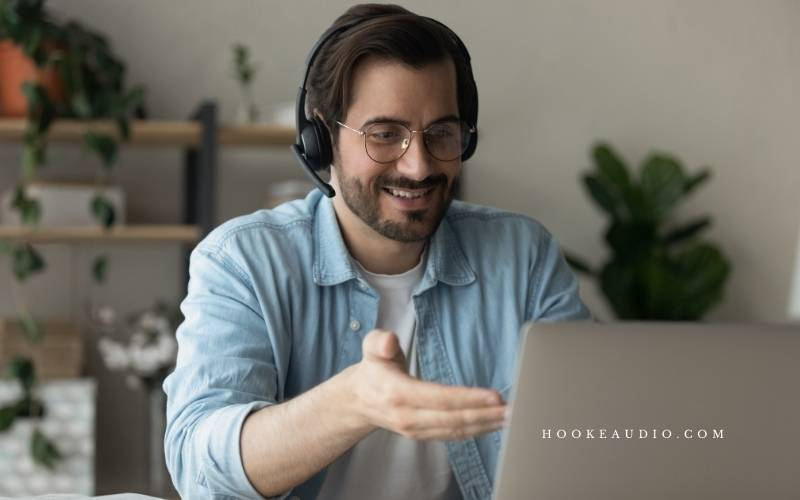 What is a Noise-Cancelling Mic