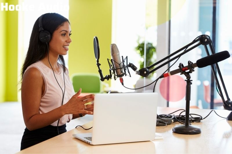 What type of microphone for podcasting should I buy