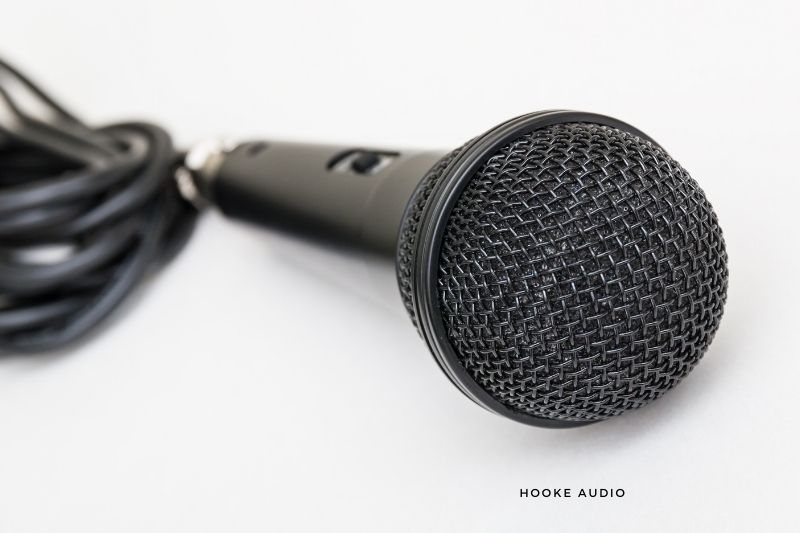 Wireless Microphones at Filtering Background Noise